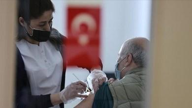 خفض المشمولين بلقاح كورونا في تركيا إلى سن 30 عاماً