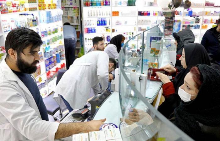 مسؤول 60% من الصيدليات الإيرانية على وشك الإفلاس