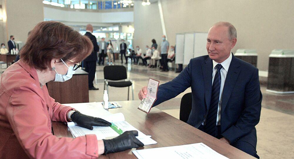 بوتين يعلن عن عشرات المصابين بالفيروس