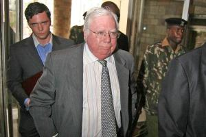 Jerome Corsi, Friend of Roger Stone, Is in Plea Talks With Mueller