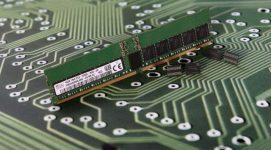 Hynix Demos First 16Gb DDR5-5200 DIMMs