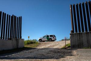 With Deadline Looming, Border Security Talks Face Hurdles in Congress