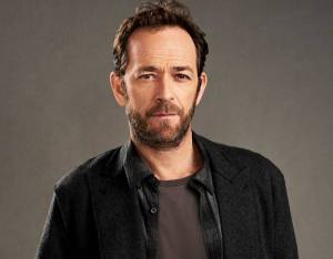 Luke Perry's Beverly Hills, 90210 and Riverdale Co-Stars Send Well Wishes After Stroke