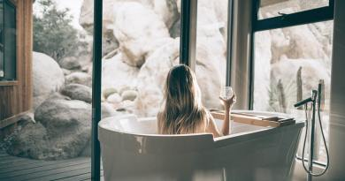5 Ayurvedic Self-Care Rituals for Whole Body Relaxation and Rejuvenation