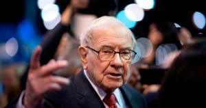 Warren Buffett has made $100 billion on his investment in Apple