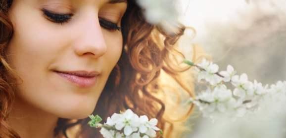 Esthétique : pourquoi suivre une formation maquillage permanent des sourcils
