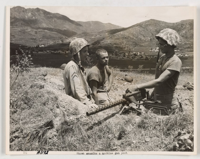 Korean War: manning a machine gun post