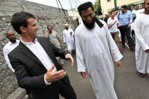 https://i2.wp.com/medias-presse.info/wp-content/uploads/2013/10/valls-imam-MPI.jpg