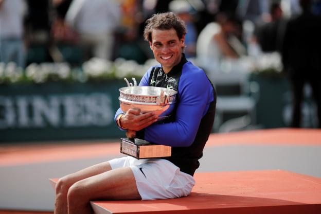 Tennis - Roland Garros - Rafael Nadal est le premier joueur de l'ère Open à remporter 10 fois un tournoi du Grand Chelem. Dans l'histoire du tennis, seule Margaret Court a fait mieux. (Reuters)