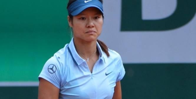 Li Na quitte Roland-Garros dès le deuxième tour. (L'Equipe)