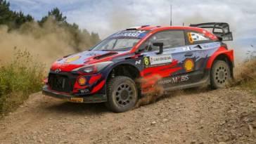 Ott Tänak largement en tête du rallye de Sardaigne, Ogier reprend la deuxième place