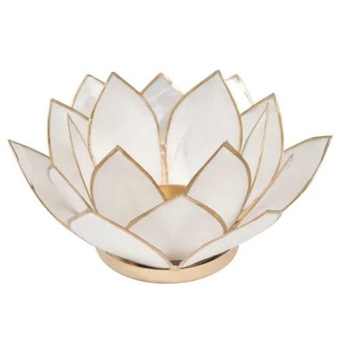 Bougeoir Nacre En Metal Blanc Lotus Maisons Du Monde