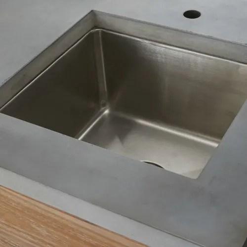 meuble bas de cuisine d exterieur avec evier en acacia massif l120 maisons du monde