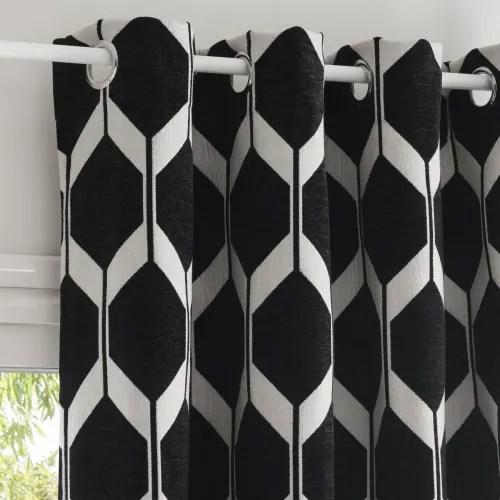 osenvorhang aus schwarzem samt mit jacquard mustern 140x300 1 vorhang maisons du monde