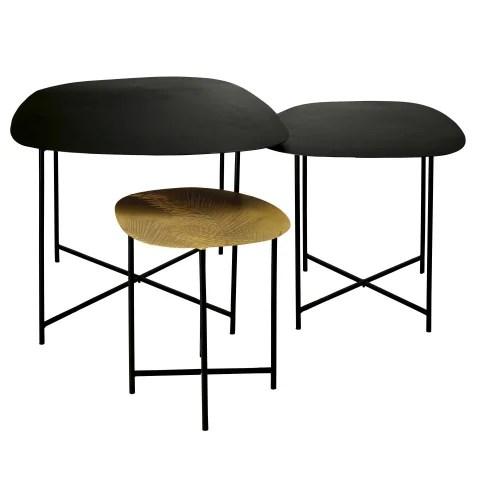 tables gigognes en metal coloris laiton grave et metal noir maisons du monde