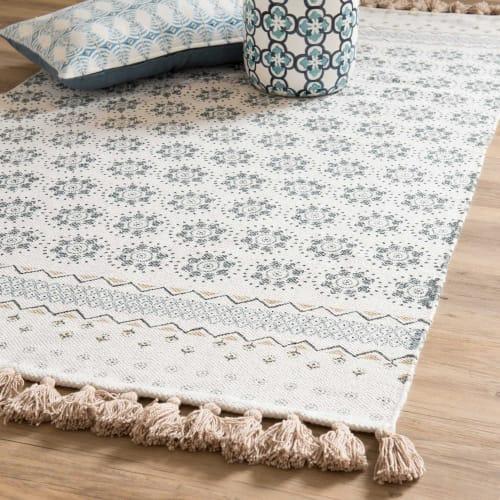tapis a franges en coton blanc motifs bleus 90x150cm maisons du monde