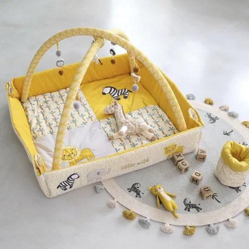 tapis d eveil bebe en coton jaune moutarde et blanc d125 maisons du monde