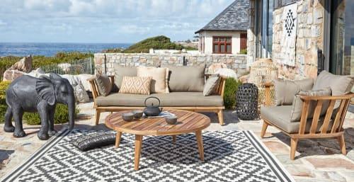 tapis d exterieur blanc motifs graphiques noirs 160x230 maisons du monde