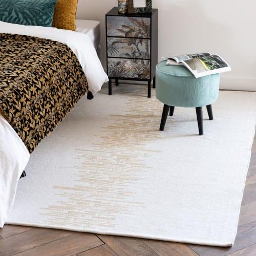 tapis en coton tisse blanc et dore 140x200 maisons du monde