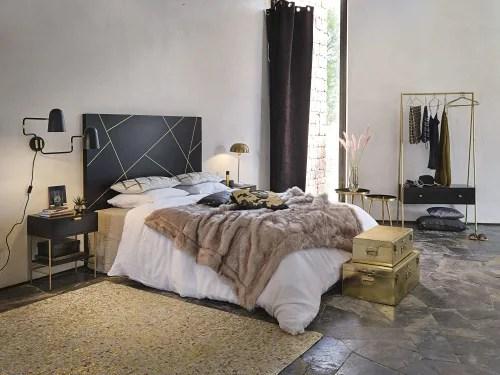 tete de lit 160 en manguier massif noir imprime geometrique dore maisons du monde
