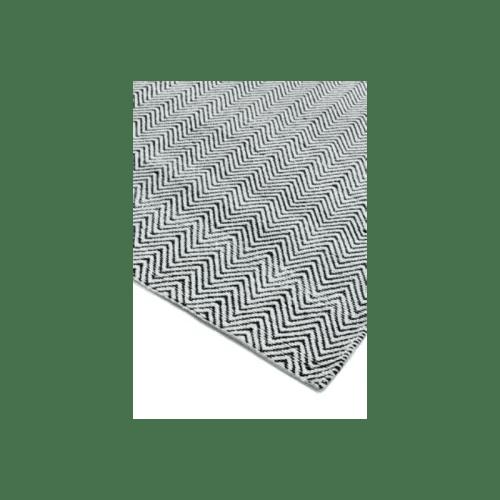 tapis de salon a chevrons noir et blanc 120 x 170 maisons du monde