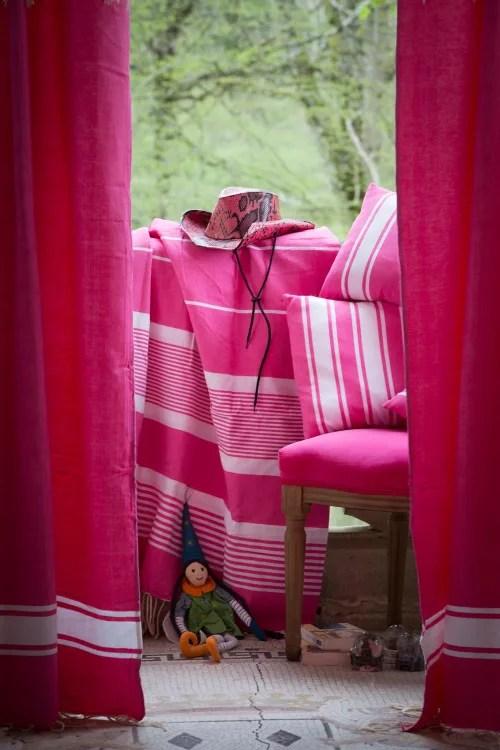casablanca rideau ajustable coton fushia et blanc 140 x 250 a 280 maisons du monde