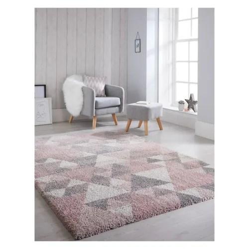 tapis geometrique scandinave en polypropylene rose 160x230 maisons du monde