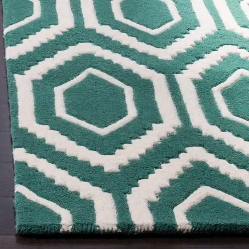tapis de salon moderne bleu canard et ivoire 91x152 maisons du monde