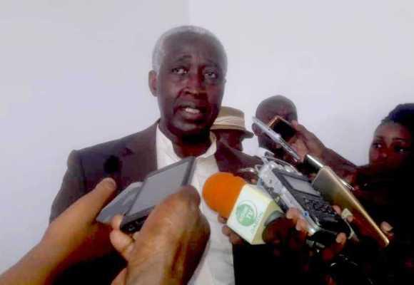GABON / POLITIQUE: Ndong Sima fustige les procédures gouvernementales.