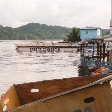 Inondations: Ali Bongo Ondimba au chevet des sinistrés