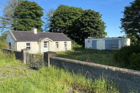 Cottage on approx. 28.6 acres, Paristown, Clonmellon, Co. Westmeath