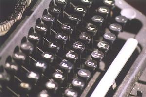 i-fdfda1306aea4ea7fa7f605b6abfbbe8-typewriter_flickr_spikeyhelen-thumb-300x199-3455.jpg