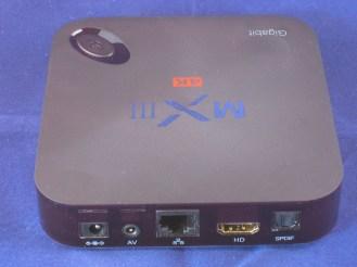 De aansluitingen aan de achterzijde van de MXIII-G Quad Core box