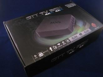 De verpakking van de MXQ box
