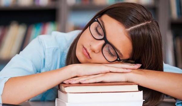 Waspada Narkolepsi Kalau Anda Sering Mengantuk di Siang Hari?