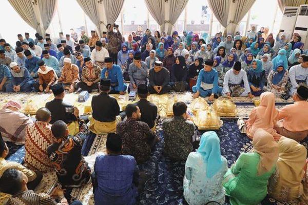 Gubsu Senang Putrinya Di Lamaran Arifuddin Maulana Basri Bin H. Basri Muhammad