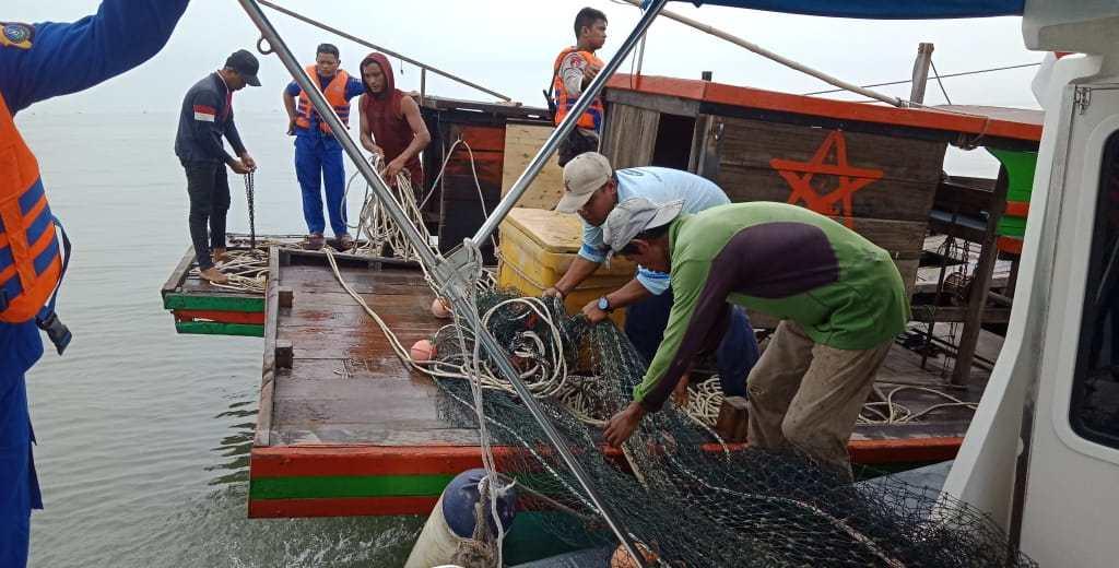 Sat Pol Air Polres Sergai Amankan Dua Pukat Trawl Asal Batubara