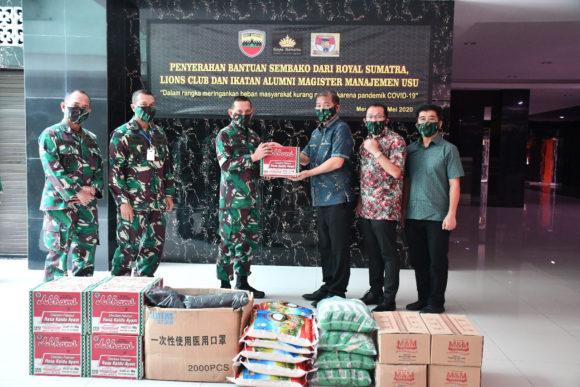 Pangdam I /BB Terima Bantuan Sembako dan Masker dari Lions Club dan Iluni MM USU