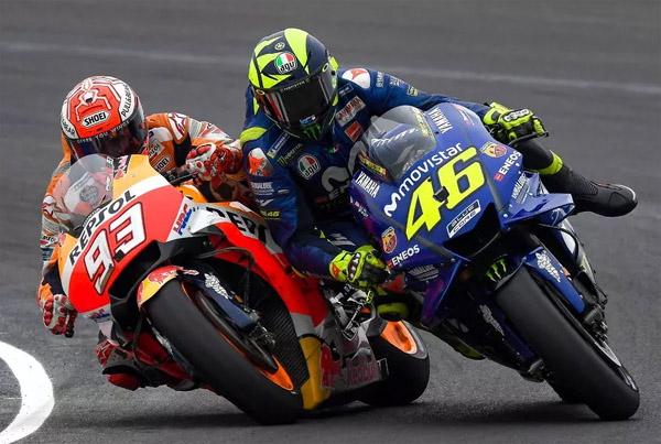 Menurut Rossi, Suka Berselisih dengan Pembalap Lain Itu Adalah DNA Pemenang