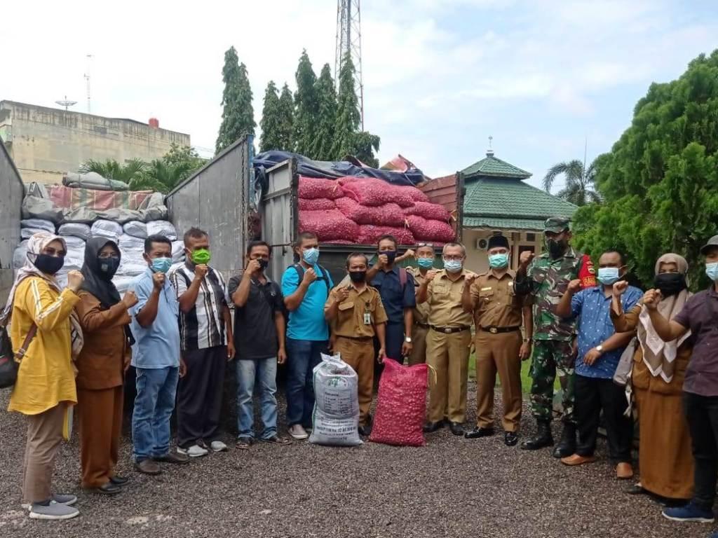 Lima Kelompok Tani di Asahan Terima 5.000 Kilogram Benih Bawang Merah