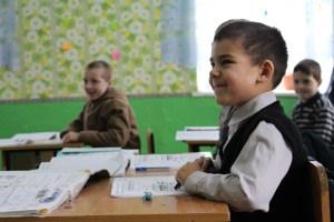 Maxim, elev în clasa I, spune că vrea să devină învățător