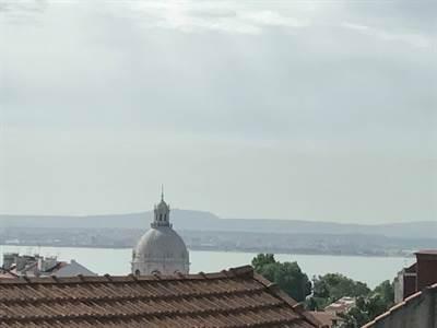 5 Refurbished Apartments in Graca, Lisbon