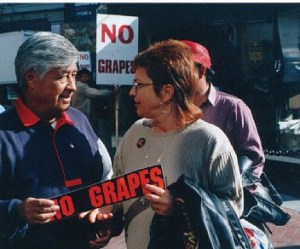 Guild member Sabine Stetson discusses concerted activity with UFW leader Cesar Chavez.