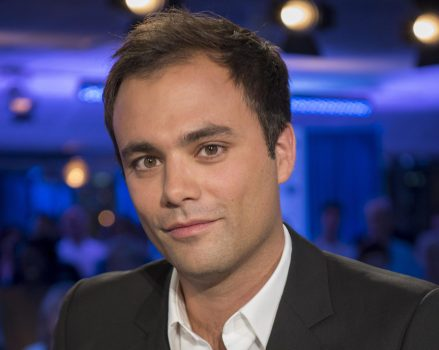 """France 2 : Charles Consigny quitte """"On n'est pas couché"""""""