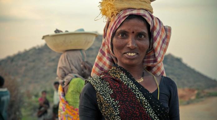 India woman laborer