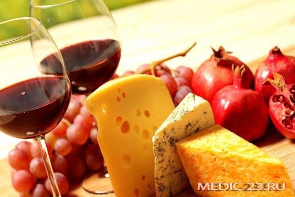 Вино с сыром