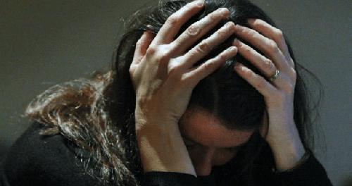 Телефон «взаимной поддержки» может помочь женщинам с послеродовой депрессией