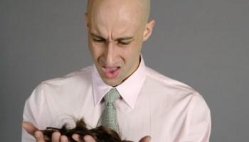 выщипывание волос, облысение