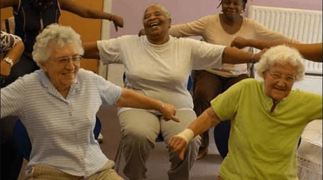 движение, пожилые люди