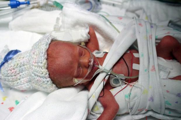 недоношенные дети, выживаемость